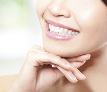 patients can enjoy professional teeth whitening with Dr. Davoud